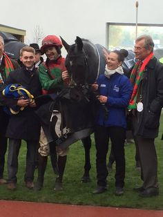 Taquin de Seuil wins the Bet Victor Gold Cup for Aidan Coleman and Jonjo O'Neil. 12.11.2016