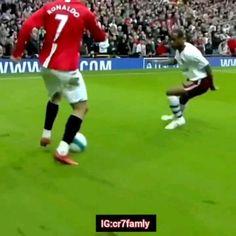 Soccer Dribbling Drills, Rugby Drills, Soccer Training Drills, Cristiano Ronaldo Goals, Cristano Ronaldo, Football Tricks, Football Workouts, Soccer Gifs, Soccer Memes