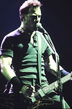 James Hetfield - I don't know why, but this stance of his always got my heart racing.