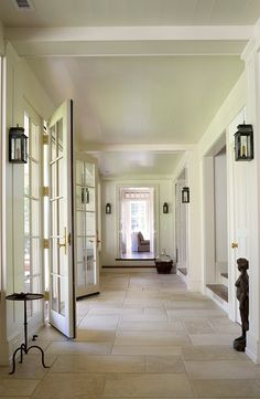 Limestone Flooring Home Design Ideas, Pictures, Remodel and Decor Foyer Flooring, Limestone Flooring, Travertine Floors, Kitchen Flooring, Flooring Ideas, Style At Home, Luxury Interior Design, Interior Decorating, Estilo Colonial