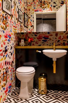 Restauranteur - Barlow & Barlow Bathroom Feature wallpaper WC Cloakroom Lacquer Brass Town House Maximalism London Interior Design Home Decor Interior Decoration Barlow & Barlow Bathroom Interior Design, Home Interior, Interior Decorating, Interior Design Wallpaper, Designer Wallpaper, Interior Ideas, Decoration Inspiration, Bathroom Inspiration, Decor Ideas