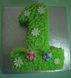 In the Night Garden Birthday Cake. I like the simplicity of this one. Garden Birthday Cake, Toddler Birthday Cakes, First Birthday Cakes, 2nd Birthday Parties, Boy Birthday, Birthday Ideas, Garden Cupcakes, Night Garden, Birthday Numbers