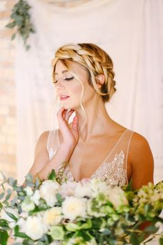 A gorgeous milkmaid bridal beauty braid for the perfect wedding, paired with beautiful natural bridal makeup. Discover how Vênsette can craft custom beauty looks for your special moment: http://vensette.com/bridal_inquiries