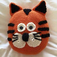 Handmade Crochet Tiger Pillow Crochet Pillow, Knit Or Crochet, Crochet Gifts, Crochet For Kids, Crochet Toys Patterns, Stuffed Toys Patterns, Knitted Animals, Animal Pillows, Crochet Projects