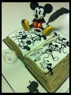 sketchbook Mickey Mouse Cake Art