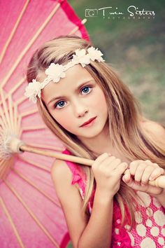 Children photography, photography with umbrella prop, kid photography, flower child