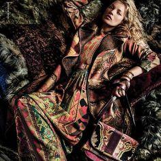 Ad Campaign: Etro Fall/Winter Model: Kate Moss Photographer: Mario Testino Make-up: Val Garland Mario Testino, Kate Moss, Fashion Advertising, Advertising Campaign, Boho Fashion, Fashion Beauty, Fashion Design, Josephine Le Tutour, Balmain