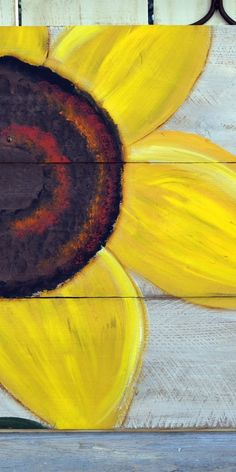 How to paint an easy Sunflower, super fun and simple to do. Paint on inexpensive fence boards for fabulous garden art or hang indoors! art sunflower Easy to Paint Sunflower - Flower Patch Farmhouse Sunflower Canvas Paintings, Fall Canvas Painting, Simple Acrylic Paintings, Autumn Painting, Easy Paintings, Diy Painting, Fence Painting, Painting Tricks, Beginner Painting