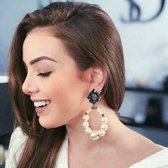 Aquele brinco Deuso de Pérolas. Já estávamos com saudades das 📸 dessa lindaaa @gabi.lunardi Tassel Earrings, Drop Earrings, Jewelry Trends, Instagram, Bead, Diy, Fashion Trends, Style, Pink Pearls