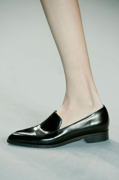 Minimal + Classic: plain pointy toe loafer- Vanessa Bruno Fall 2014