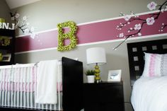 Single stripe accent wall - loving this trend right now! Especially in a bright, springy color. #BRITAXStyle