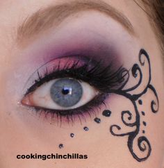 CookingChinchillas: Pink Purple elegant Gothic Makeup with eyeliner art