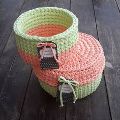Корзиночки для @darlashik Выполнены на заказ #моимируками #вяжудляВас #вязаниекрючком #интерьерныекорзинки # Crochet Box, Crochet Motif, Crochet Baskets, Cotton Cord, Crochet T Shirts, Vide Poche, Basket Bag, T Shirt Yarn, Crochet Projects