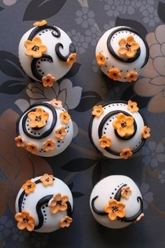 Not in these colors, but I want elegant cupcakes like these at my wedding
