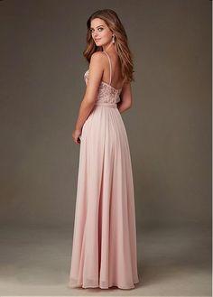 Prachtige lichtroze lange jurk met rok van chiffon en top van kant met kralen.  Achterzijde.