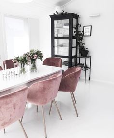 Dear design lover, are you ready for 10 Design Chairs For Your Modern Dining Room? Dining tables are important, they are the center of the dining room, but some modern dining chairs will light up your Home Interior, Interior Decorating, Interior Design, Interior Styling, Dining Room Design, Dining Room Chairs, Office Chairs, Dining Tables, Dining Area