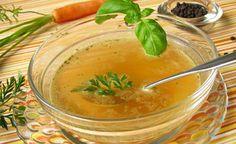 (Zentrum der Gesundheit) - Diese hefefreie Gemüsebrühe hat einen feinen Geschmack, der aus Gemüse und Kräutern gewonnen wird.