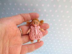 Miniatur OOAK Baby MÄDCHEN 5 cm Puppenstube 1:12 BEWEGLICH. Puppe Handgemacht Unikat von YuliyasOOAKdolls auf Etsy