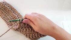 Bolsa de Crochê Com Barbante Passo a Passo Best Picture For Crochet hair styles For Your Taste You are looking for something, and it is. Chunky Crochet, Chunky Yarn, Bead Crochet, Single Crochet, Crochet Tote, Crochet Bag Tutorials, Diy Crafts Crochet, Crochet Videos, Crochet Stitches