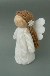 This pattern is for nice, self-standing angel decoration. The figure of an angel is about 16 cm tall and it is quite easy to make. The pattern is written with lots of pictures and is suitable even for beginners.