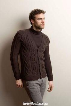 Gilet homme tricoté avec la laine Mérino 120 (100% mérinos fin) de Lang Yarns.  Catalogue Lang Yarns Urban FAM 238.  #laine #langyarns #tricot #knit #wool