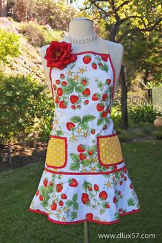 D-Lux 57 Strawberry Blossoms Vintage Apron featured in Hobby Farm Home Magazine