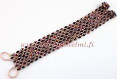 Bracelet made of SuperDuo and Toho seed beads.