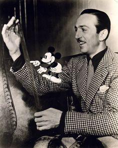 IlPost - Anonimo Walt Disney et Mickey, 1941 Exhibitor : Galerie Obsis - Anonimo Walt Disney et Mickey, 1941 Exhibitor : Galerie Obsis