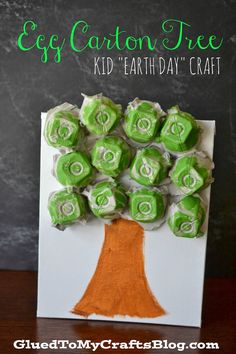 Egg Carton Tree {Kid's Earth Day Craft} #kidscraft #upcycle