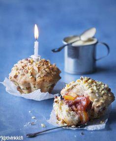 Gluteenittomat joulumuffinssit maistuvat ihanasti luumulta ja kanelilta.