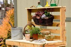 New Ways to Use Old Pallets – Living Country Style
