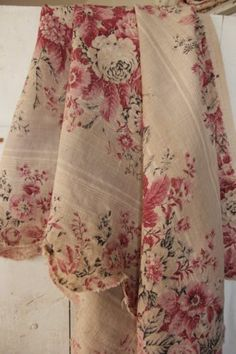 French antique printed LINEN floral fabric flax pink upholstery material old www.textiletrunk.com