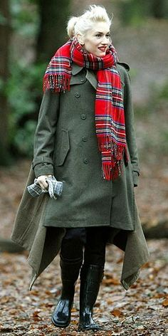 Gwyn in tartan and Comme des Garcons khaki jacket (I have this)...