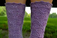 Lovely lilac socks, I wish more pretty sock were written for toe-up, I refuse to do cuff down any longer.