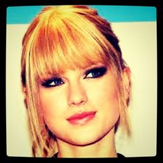 Bangs! Taylor is the only girl that can rock any look<3