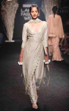 Everyone needs a stylish kurti set in their wardrobe #Frugal2Fab