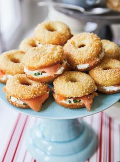 Mar 2020 - A must-have for your Christmas morning brunch bar? These mini bagels topped with cream cheese and smoked salmon, a tiny twist on the classic cream cheese and lox. Bagel Toppings, Bagel Bar, Bagel Sandwich, Lox And Bagels, Cheese Bagels, Mini Bagels Recipe, Smoked Salmon Bagel, Brunch Bar, Healthy Breakfast Recipes