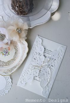 Pretty wedding invites that are very easy to do yourself.