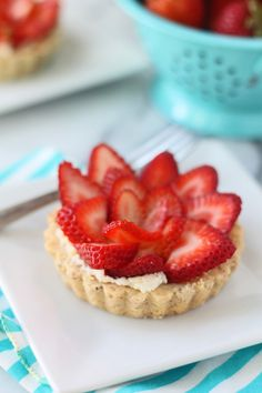 Strawberry Tart with Mascarpone Filling and Almond Shortbread Crust