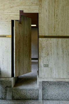 Architecture: Fondazione Querini Stampalia Carlo Scarpa photographed by frei Carlo Scarpa, Detail Architecture, Art Et Architecture, Design Oriental, Scandinavia Design, Door Detail, Sendai, Wabi Sabi, Windows And Doors