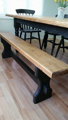 Vintage Kitchen Table Makeover Annie Sloan 50 Ideas For 2019 Dining Table Makeover, Dining Room Table, Table And Chairs, Wood Table, Dining Table Upcycle, Black Painted Furniture, Annie Sloan Painted Furniture, Paint Furniture, Farmhouse Kitchen Tables