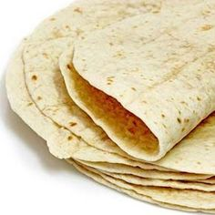 I don't have a picture but I came up with something new super easy! 1 can of chicken mixed with cream cheese and spread on tortilla. I put sliced havarti on top, folded it up and microwaved for 30 sec! Tacos Masa, Tortilla Bread, Vegan Tortilla, Tortilla Recipes, Tortilla Casserole, Homemade Flour Tortillas, Good Food, Yummy Food, Bread Recipes