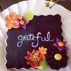 Grateful chalk board cookies perfect for the Thanksgiving table!❤️