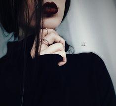bd9f0bc39100 Da ragazzina mi tingevo le labbra color rosso sangue mischiando il nero del  kajal e il