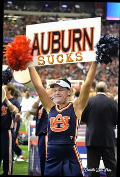 Auburn Sucks Auburn Football, Crimson Tide Football, Auburn Tigers, Alabama Football, Alabama Crimson Tide, Funny Football Pictures, Football Pics, Football Stuff, Auburn Memes
