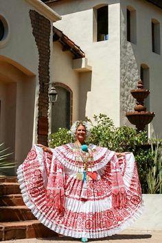 Primera Dama de Panama Lorena Castillo de Varela Desfile de las Mil Polleras Culture, Lady, Castle