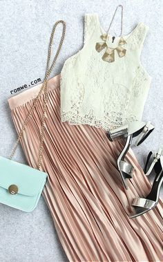 Pink Pleated Maxi Skirt with Cream Lace Top and Mint Mini Bag Pleated Maxi, Maxi Skirts, Maxi Dresses, Looks Style, Style Me, Spring Summer Fashion, Autumn Fashion, Fashion Outfits, Womens Fashion