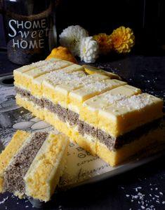 Mak-kokos šnite s kremom od limuna – blackandwhitecups Baking Recipes, Cake Recipes, Dessert Recipes, Desserts, Other Recipes, Sweet Recipes, Mini Cakes, Cupcake Cakes, Torta Recipe