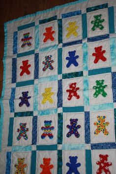 I love winter and the thing that strikes me most is the silence. The cold, the wind and th. I Love Winter, Winter Project, Applique Quilts, Best Memories, Hand Sewing, Sewing Projects, Teddy Bear, Cold, Blanket