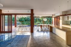 australian-home-with-spotted-gum-wood-details-pool-5-dining-kitchen.jpg